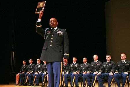 05-16 Georgia Southern University ROTC Commander Accepts MacArthur Award