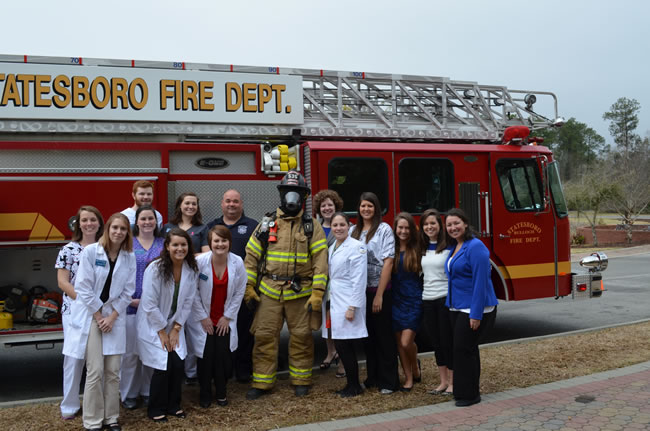 4-17 Nursing students learn to deal with disaster