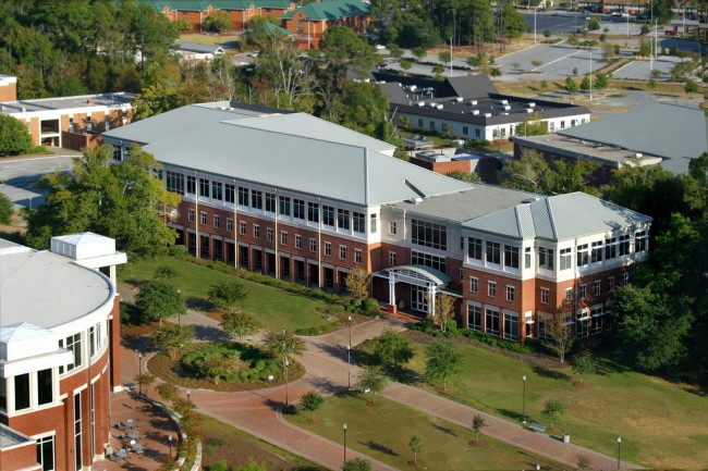 The College of Business Administration was named to Newsweek's 12 Top Business Schools on September 15, 2014.