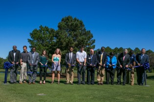Golf course ribbon-cutting