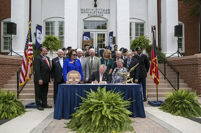 GovDeal signs